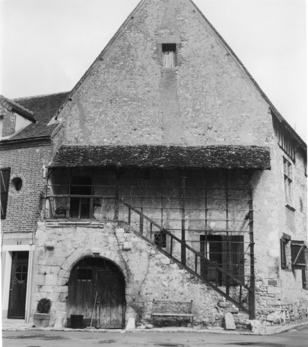 Grenier à sel à Châtillon-Coligny.jpg